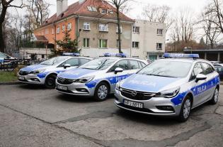 Galeria Zakup trzech samochodów dla policji